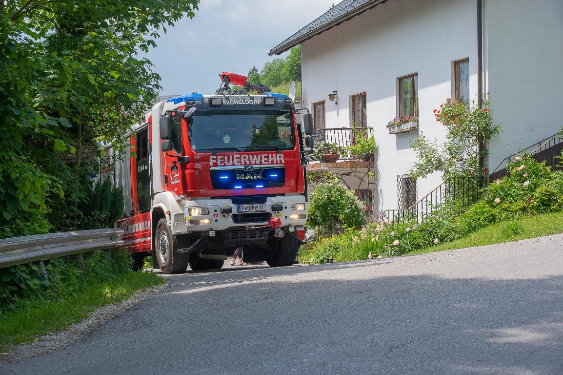 Motorradunfall auf der Schiefer Strasse, ein Motorradfahrer von Kirchdorf Richtung Oberschlierbach musste für ein PKW die in Mitte der Straße fahr ausweichen. Foto Jack Haijes