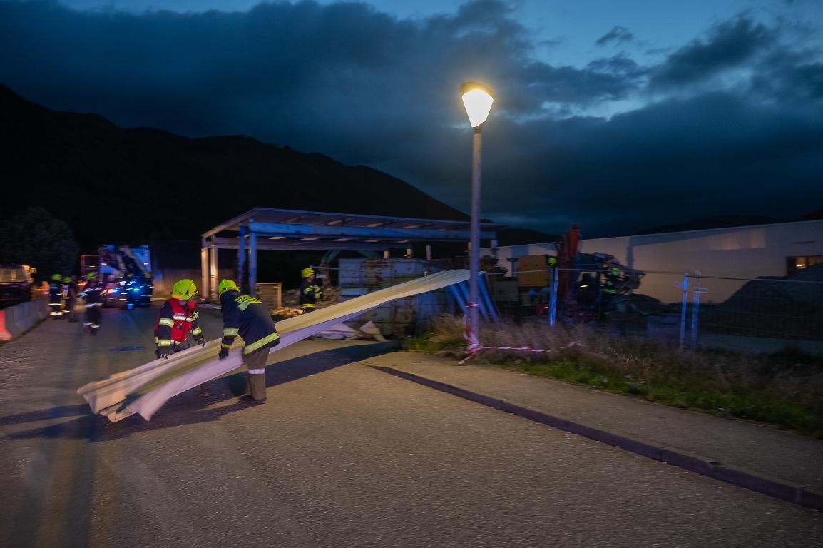 Sturmschaden bei alte Hellweg FF Micheldorf  Foto Jack Haijes